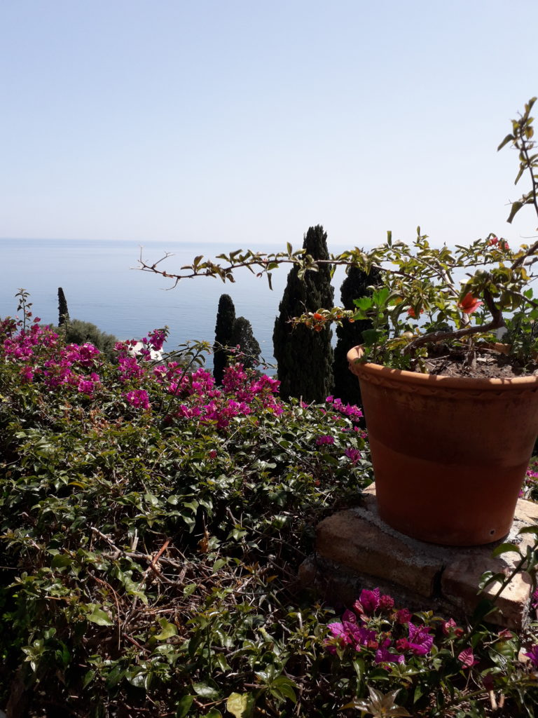 From the mountains to the sea: Easter in Taormina – McMahons On The Move